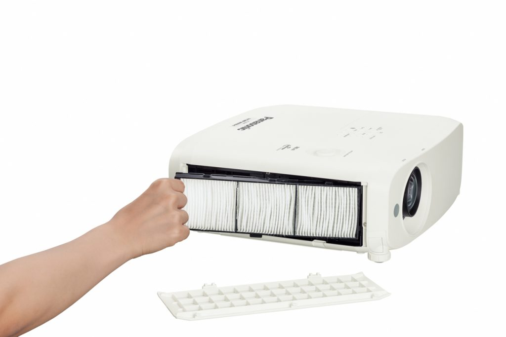 Проектор для переговорной Panasonic PT-VZ580NE